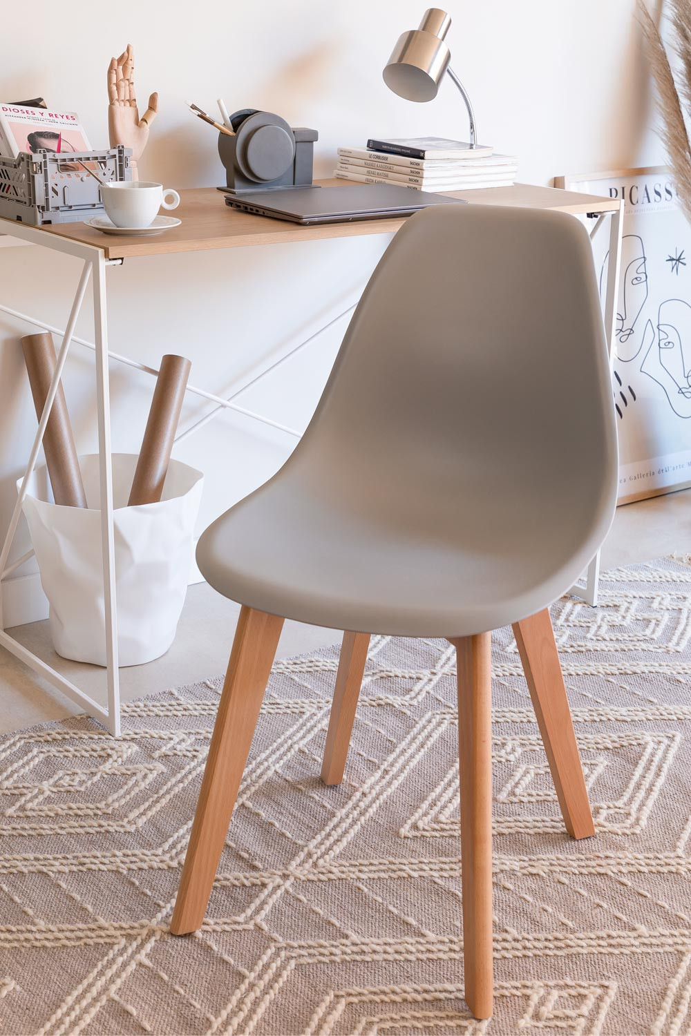 Pack of 4 Scand Nordic dining chairs, gallery image 1