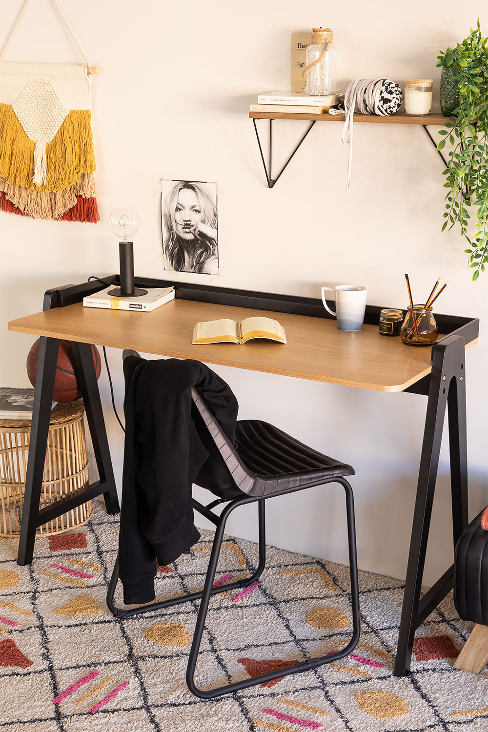Wooden Desk Kailo, gallery image 1