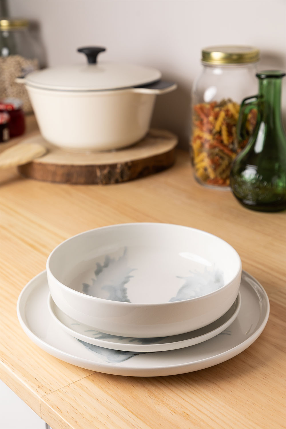 Porcelain Tableware 12 pieces Boira, gallery image 1