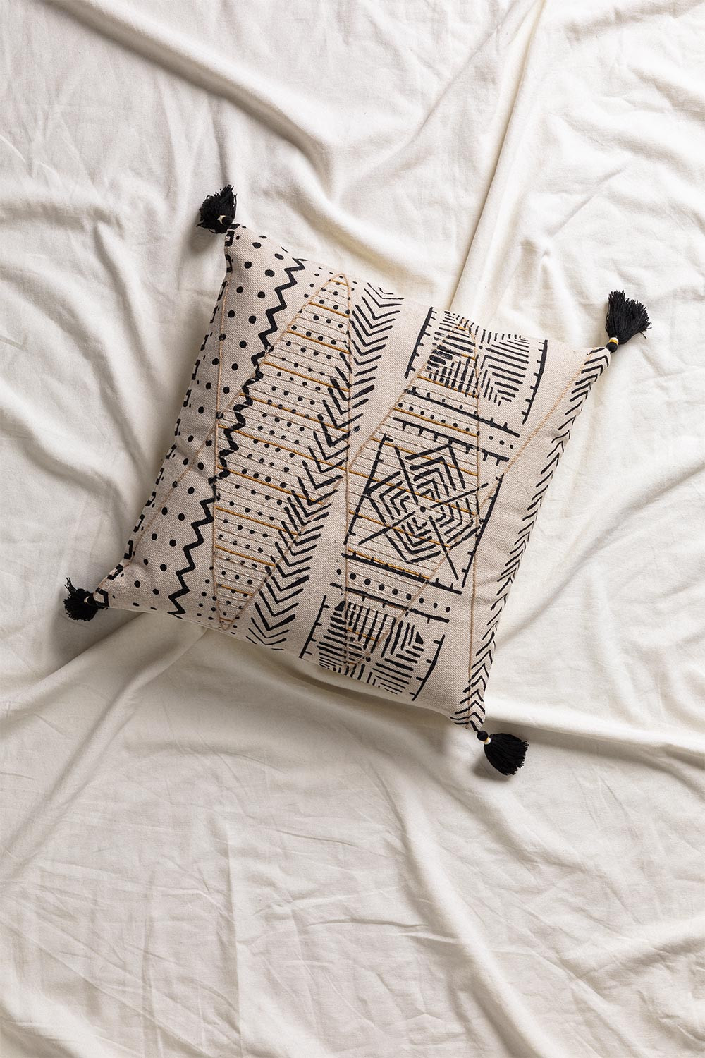 Cushion with Cotton Embroidery (45x45 cm) Mau, gallery image 1