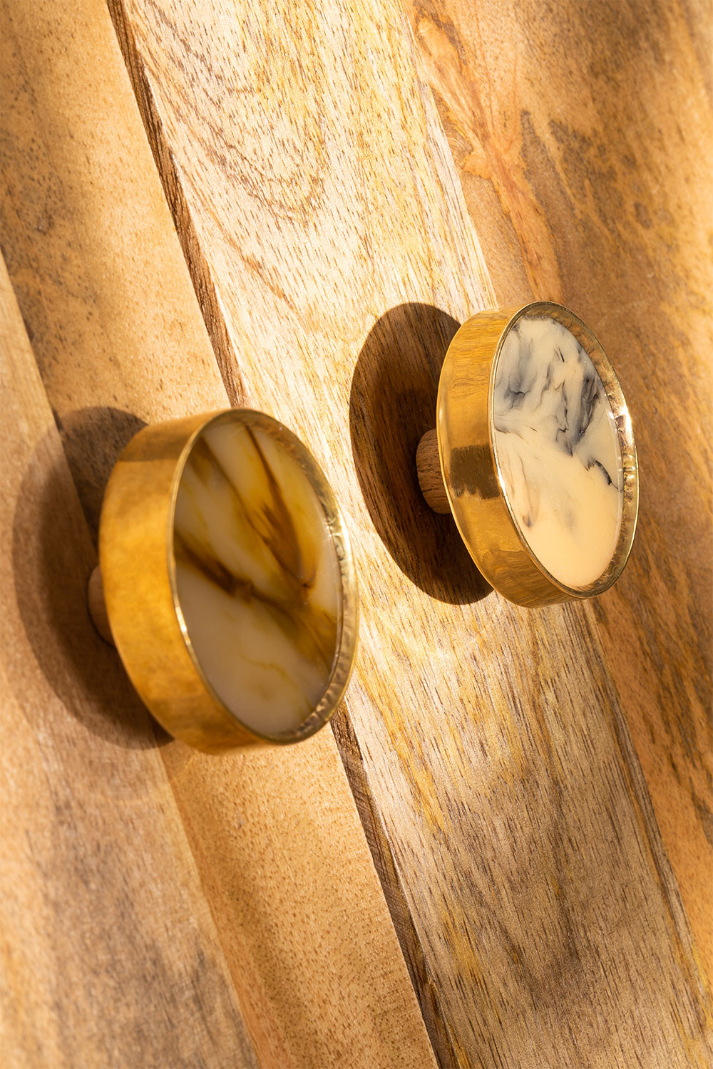 Set of 2  Knobs Algers , gallery image 1