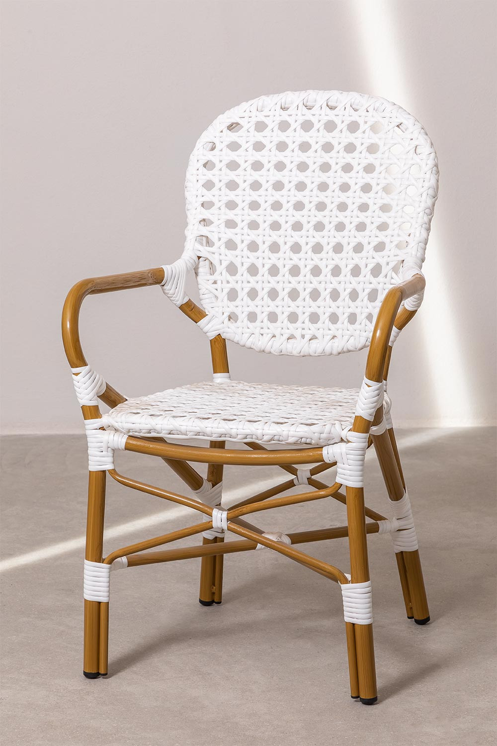Iza Garden Chair, gallery image 1