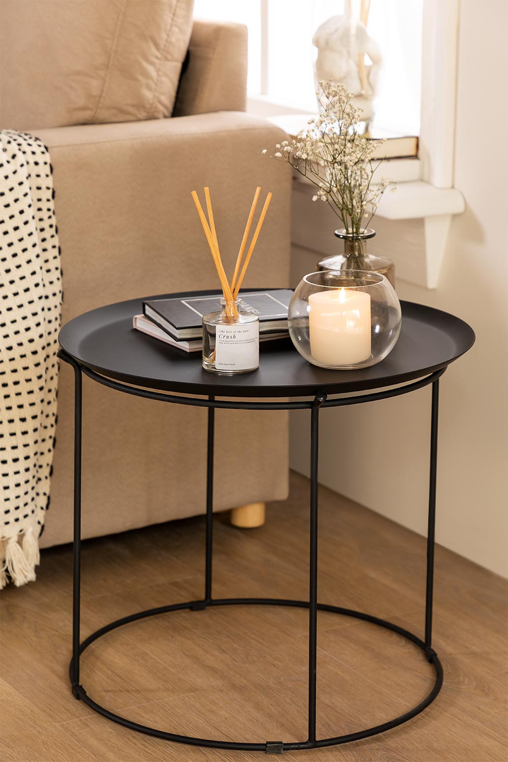 Thuin Table, gallery image 1