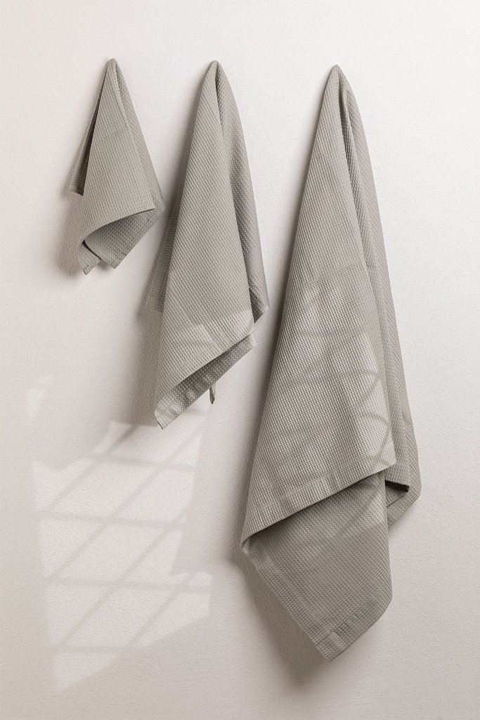 Cotton Towels in 3 Sizes Yara, gallery image 1