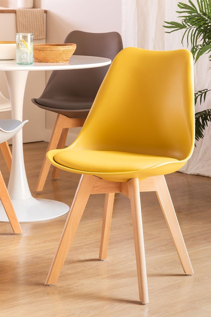 Pack of 4 Nordic Chairs, gallery image 1