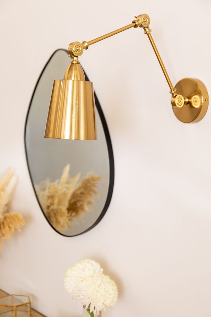Kanno wall light, gallery image 1