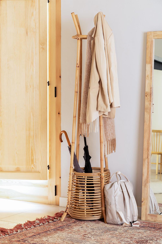 Appendiabiti Groll in rattan con cesto, immagine della galleria 1