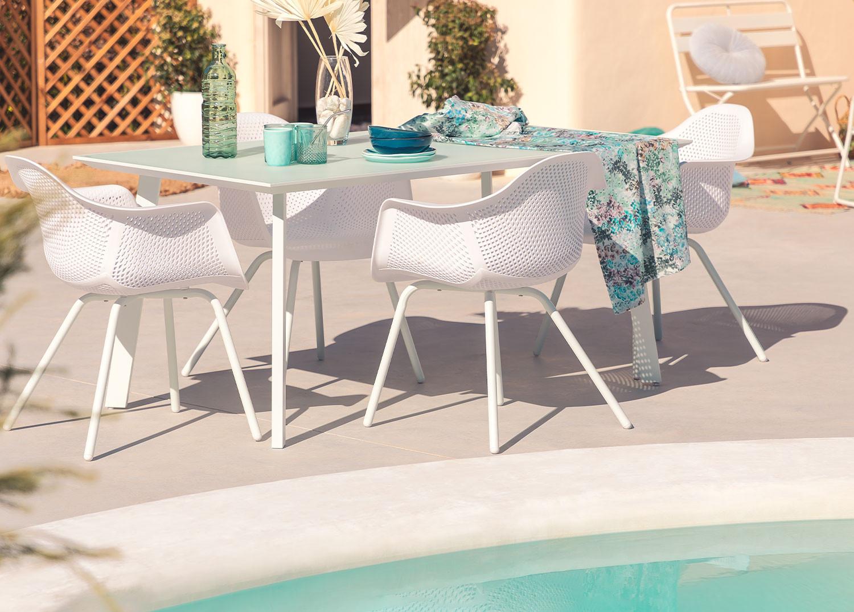 Tavolo Adel e 4 sedie da giardino con set di braccioli Adel, immagine della galleria 1