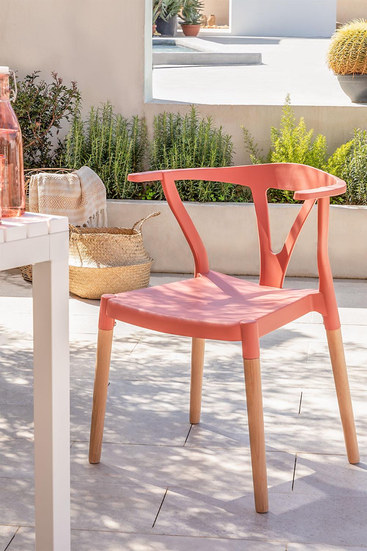 Cadeira de jardim em polietileno e madeira uish, imagem de galeria 1
