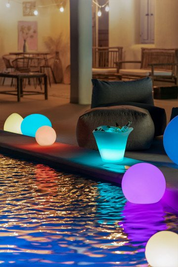 Sphere Outdoor Led Floor Lamp