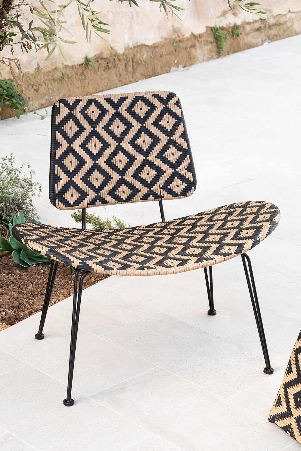 Corvik Synthetic Wicker Garden Lounge Chair, gallery image 1