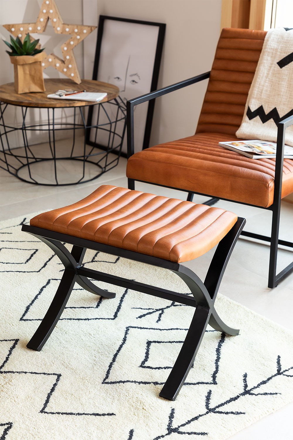 Low  Leather Stool Zelan, gallery image 1