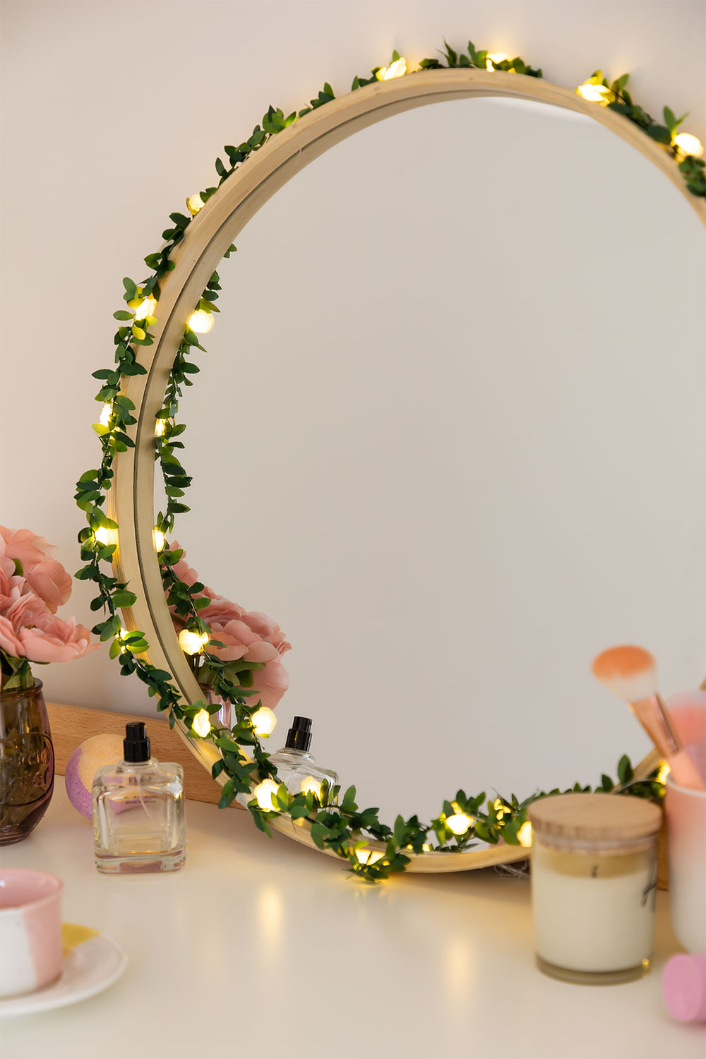 Decorative Garland LED Grin, gallery image 1