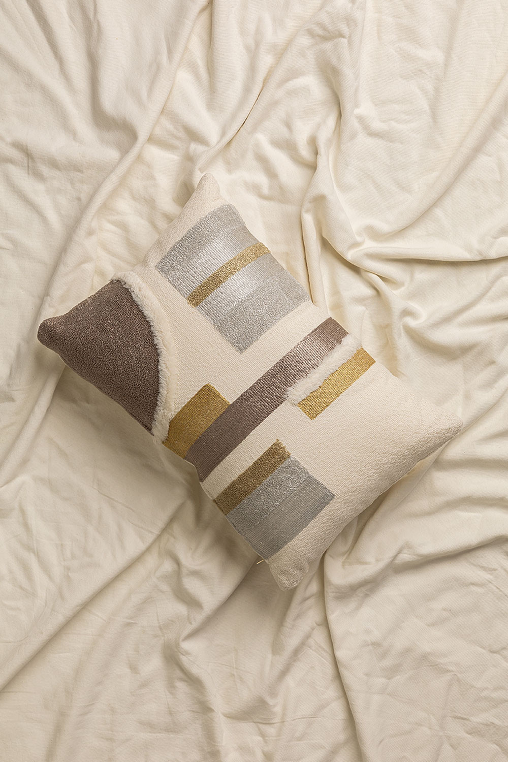 Cotton Embroidery Cushion (45x45 cm) Aspen, gallery image 1