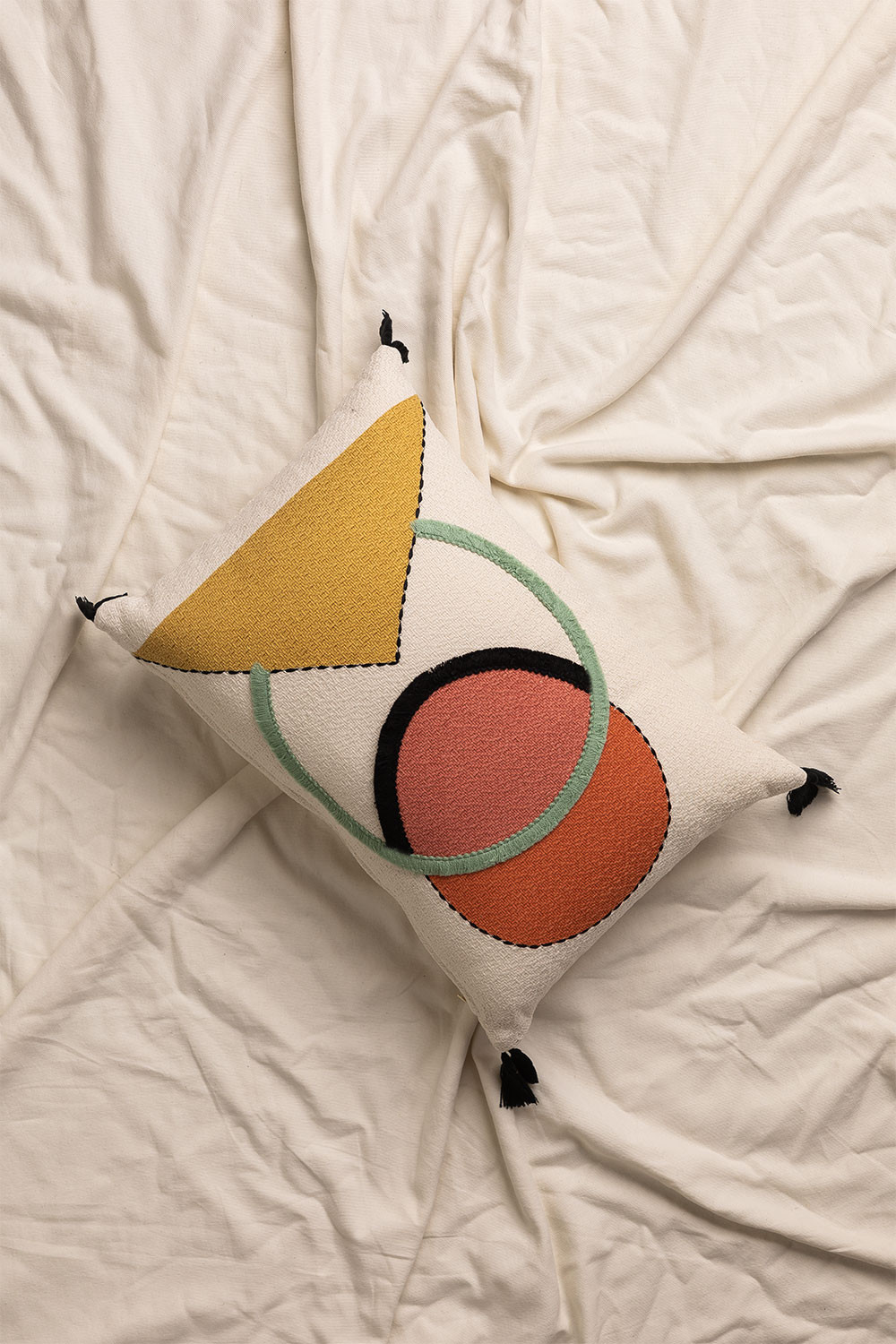 Cushion with Cotton Embroidery (30x45 cm) Dinski , gallery image 1
