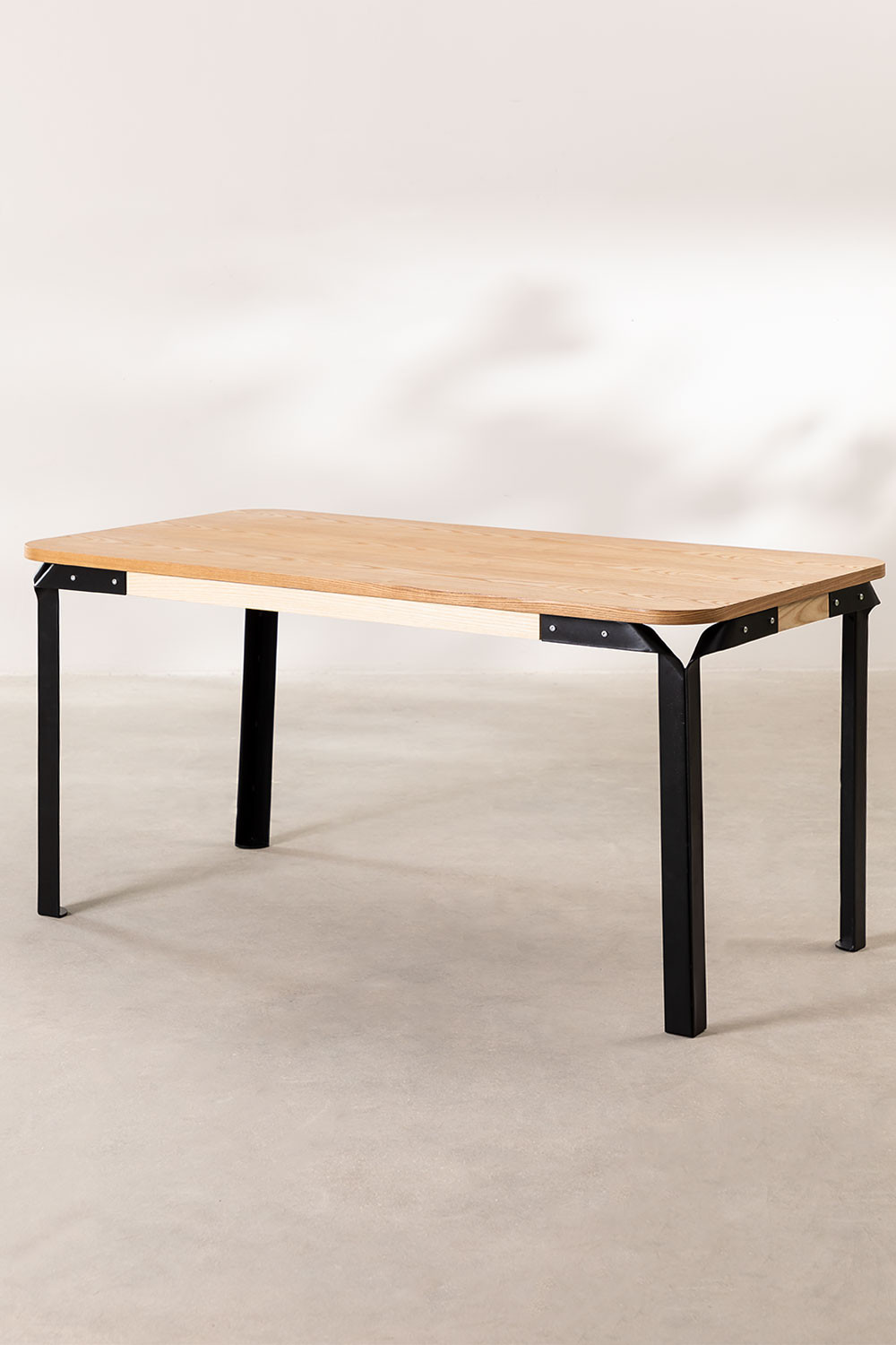 Almuh Table, gallery image 1